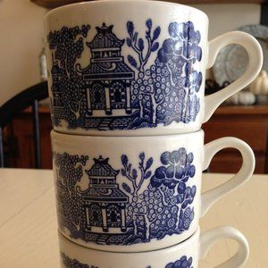 Vintage Blue Willow Coffee Cups